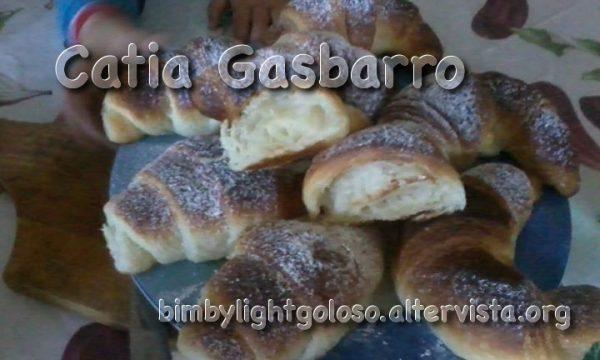 Cornetti sfogliati senza uova con PM di Catia Gasbarro