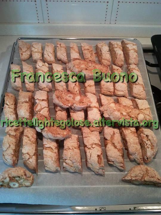 Cantucci napoletani con variante senza glutine e senza lattosio
