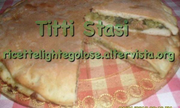 Pizza rustica con rape e salsiccia