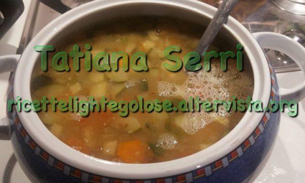 Minestrone di verdure e lenticchie